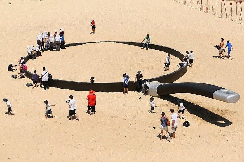Escultura por el mar Una exposición al aire libre en la playa de Bondi (2)